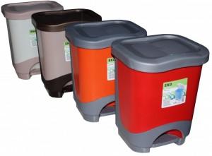 Poza Cos de gunoi cu pedala si galeata cu maner capacitate 8 litri. Galeata are maner si poate fi ridicata din cos.